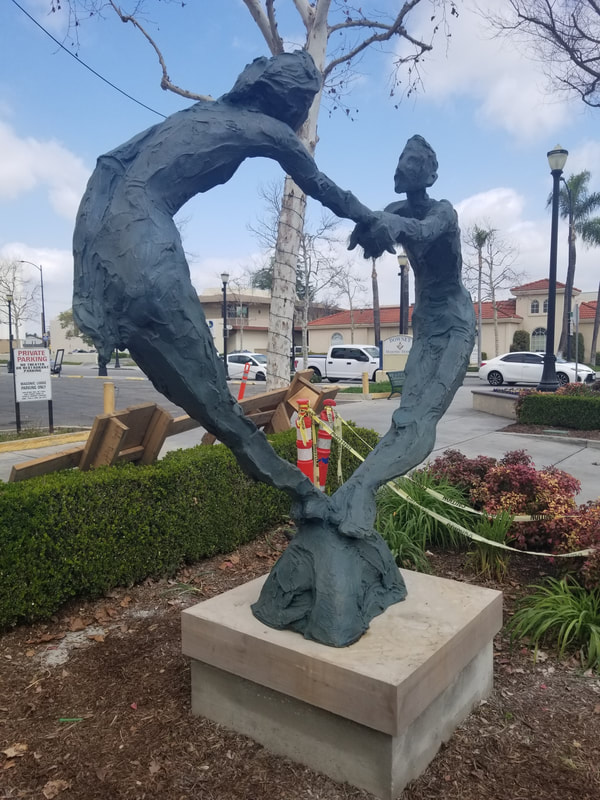 Our installations today in downtown Downey, CA! Joe Norman's  #HomewardMonarch  and Jane DeDecker's  #MyHeartIsInYourHands These are the first of a series of #PublicArt placements that the City has commissioned  from the National Sculptors' Guild to enhance ​#DowneyAvenue More coming soon!